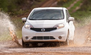 Nissan-Note-self-cleaning-car-mud