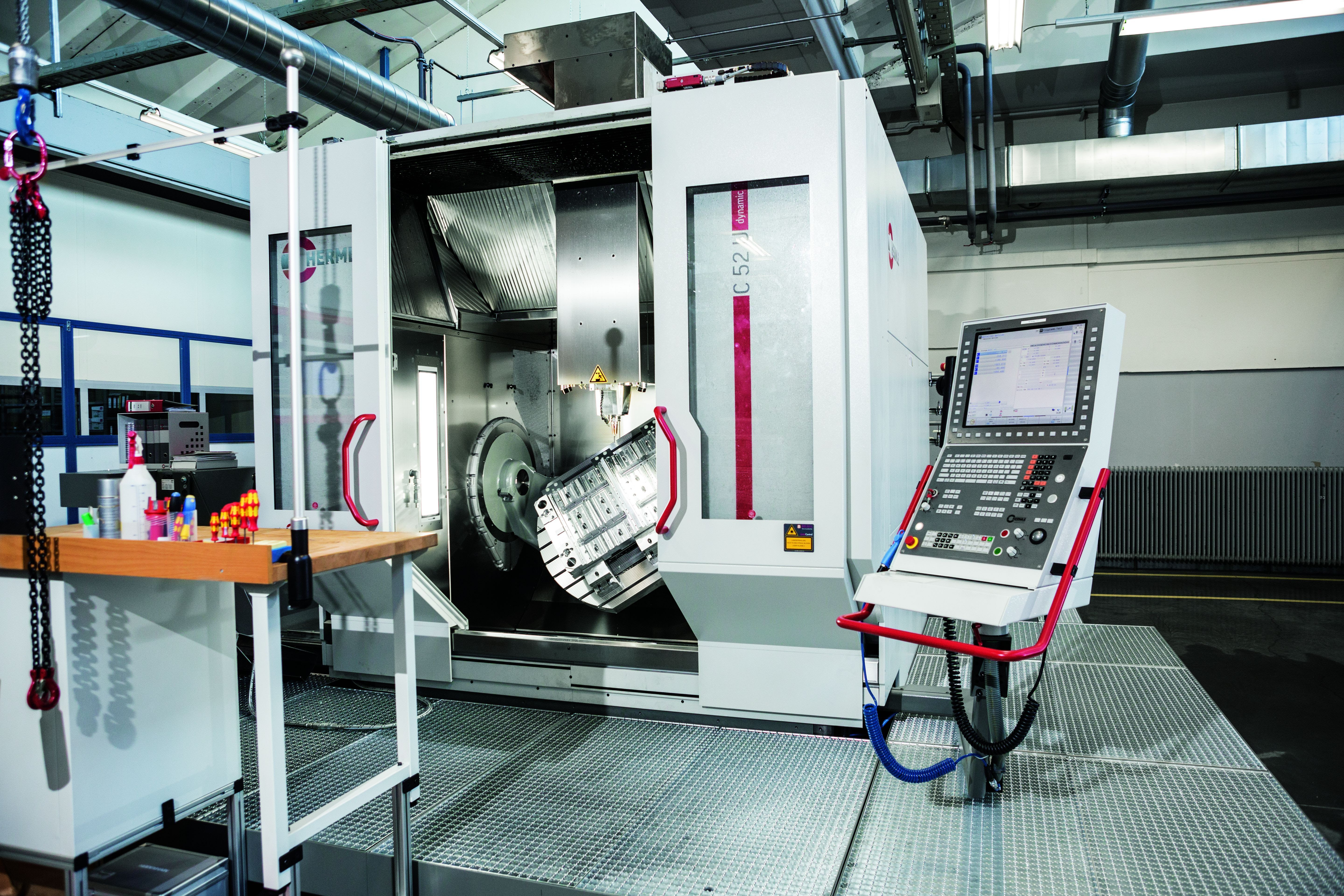 High-tech tool making with 5-axis milling expertise from