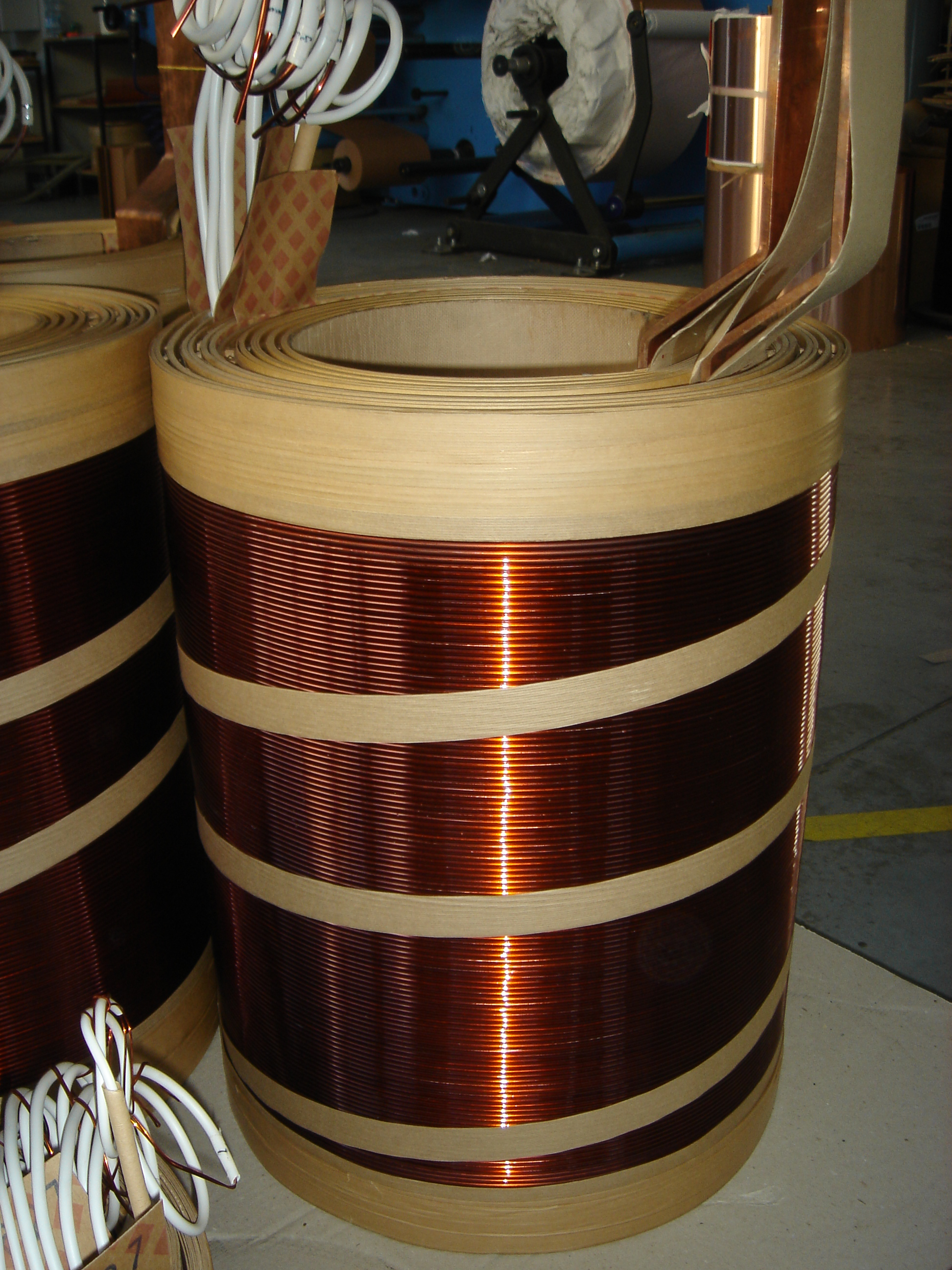 Windings for distribution and power transformers dry type, oil