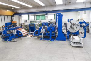 Compact benders-feeders and contactless strap cutter