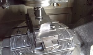 From manual to 5 axis machining with a performing CAM
