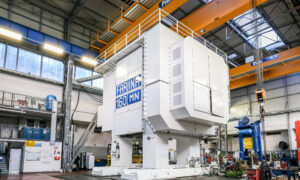 16 000 ton press presented for the first time